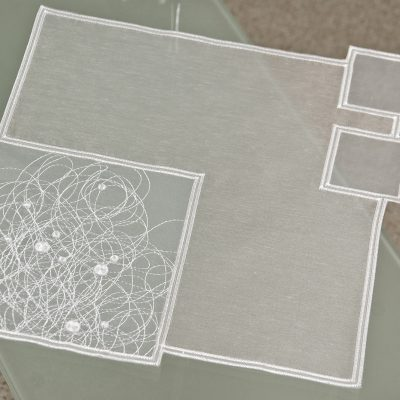 Moderne Tischdeckchen Schneeballspitze modern 31 x 31 cm
