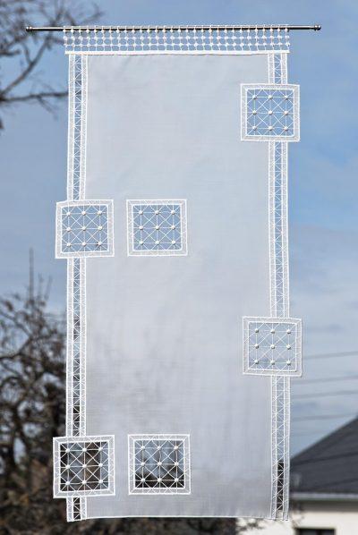 Moderner Scheibengardine Schneeballspitze Quadrat Plauener Spitze Detailbild_1