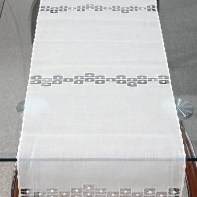 Moderner Tischläufer Plauener Spitze edel