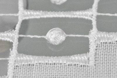 Moderner Tischläufer Plauener Spitze edel Detailbild_2