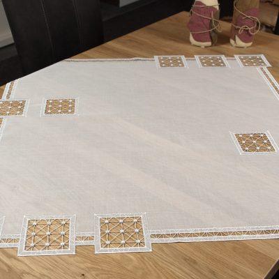 plauener-spitze-tischdecke-modern-Quadrat