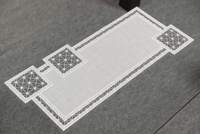 plauener-spitze-tischlaeufer-modern-Quadrat-24x55-cm-01.jpg3