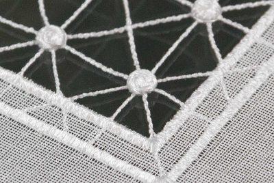 Moderne Tischläufer Plauener Spitze Quadrat