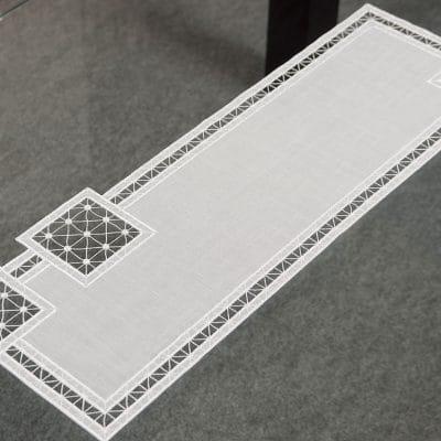 Moderner Tischläufer Plauener Spitze Quadrat 24x70 cm