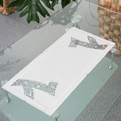 Moderner Tischläufer aus Plauener Spitze